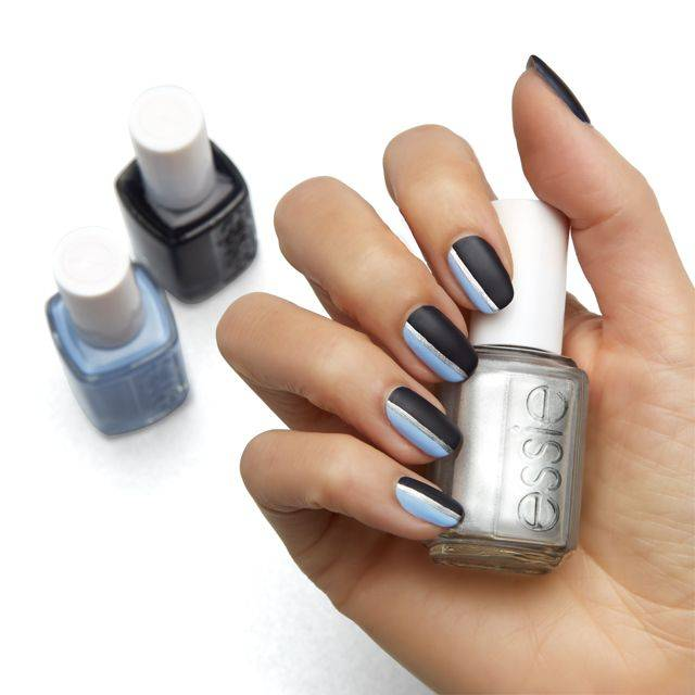 Sleek Stripes Nageldesign